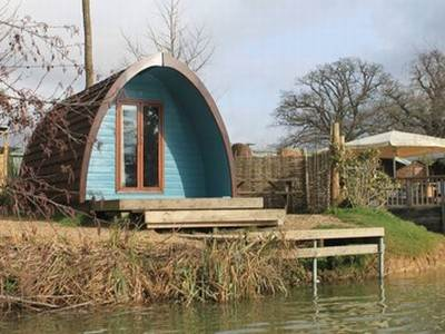 Lakeside Pod at Sumners Ponds