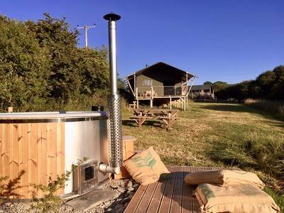 Hot tub glamping at Otter Lodge at Sloeberry Farm