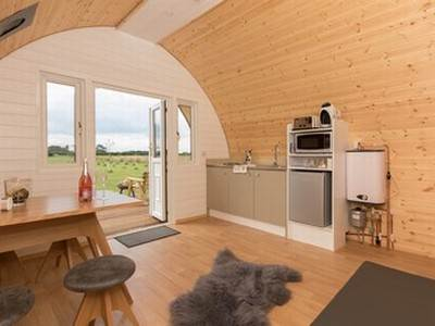 Oso glamping pod at Bracken Burrows