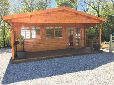 Woodpecker wooden cabin at Woodview Campsite