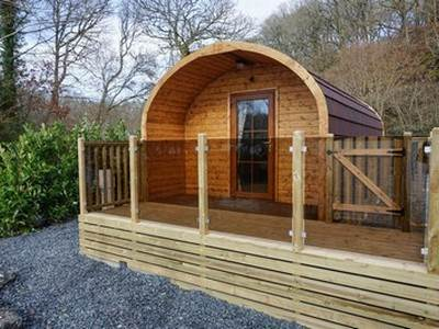 Hill of Oaks Super Deluxe Glamping Pod - Pet Free