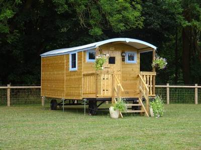 Bluebell Shepherd Hut at Castle Farm Holidays