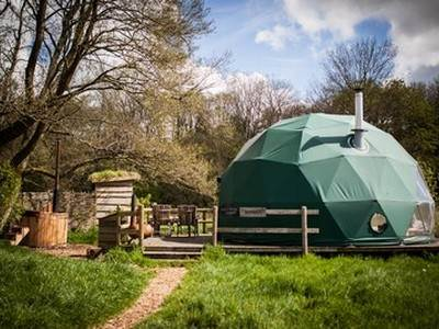 Rowan Dome Glamping at Cosy Under Canvas