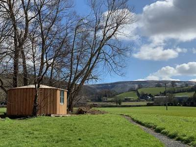 Cosy Cabin at Wye Glamping